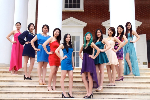 2014 Active House (Left to right: Queena, Leah, Winnie, Hajung, Yunzhe, Yujin, Catherine, Christine, Tiantian, Lizzi)